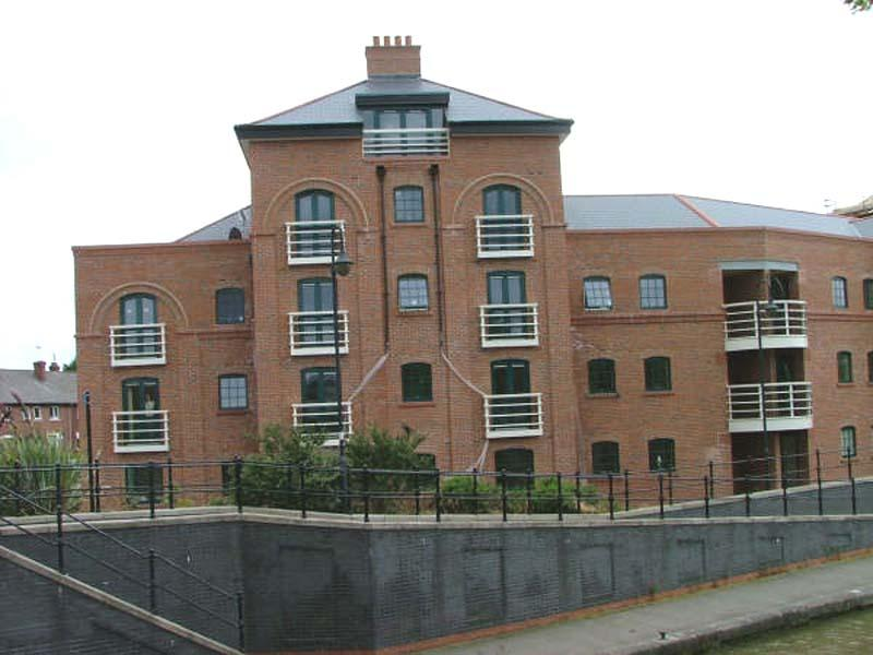 Wharton Court apartment available for short or long term let