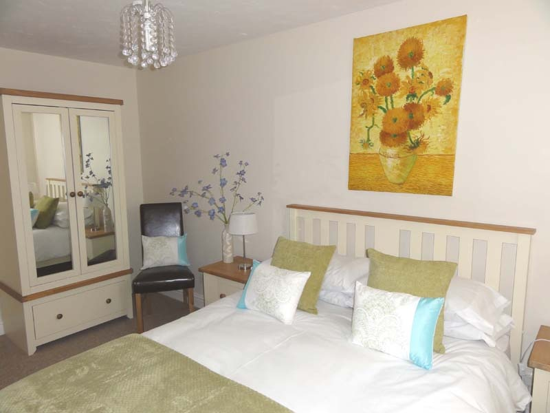 Nice double bedroom on the first floor of the  holiday cottage